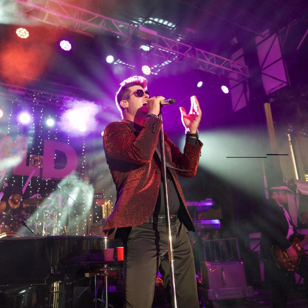 Robin thicke robin thicke earl gibson iii getty images entertainment getty images nvjuhfo Image collections